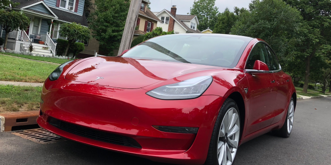 How the cheapest Tesla Model 3 at $40,000 matches up against a loaded $45,000 Nissan Leaf. (TSLA)
